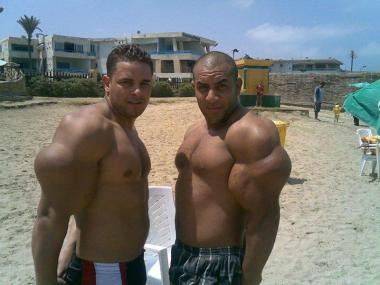 Synthol-freak-beach4